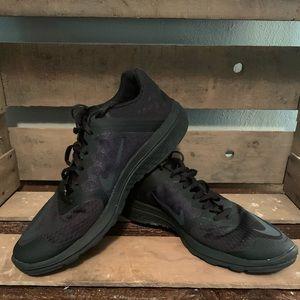 Men's Black Nike Shoes 9.5